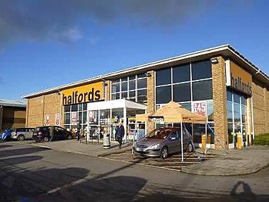 Halfords Autocentre Salisbury