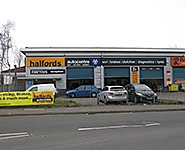 Halfords Autocentre Wolverhampton (Fox's Lane)