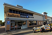 Halfords Autocentre Worcester (Elgar Retail Pk)