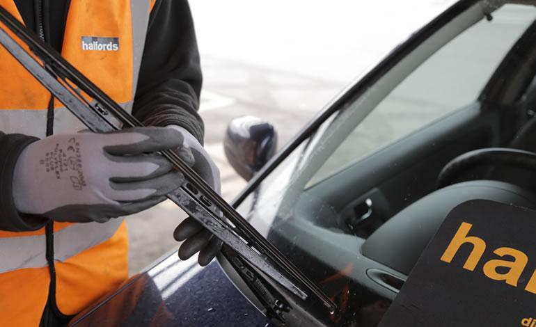 Halfords Wiper Fitting Service | Halfords UK