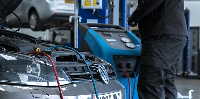 Air Conditioning Gas Changes - Halfords Autocentres