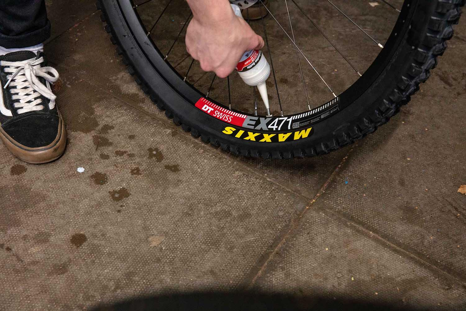 Installing tubeless sealant