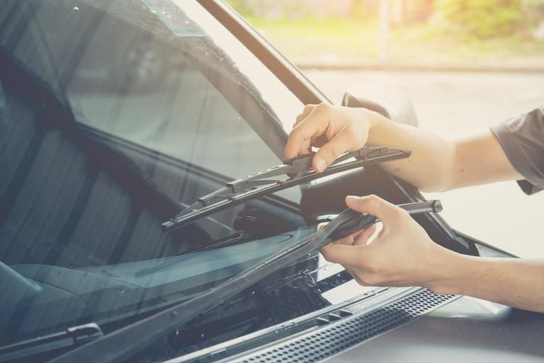 Image for Do my wiper blades need replacing? article