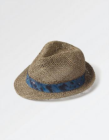 Resort Trilby