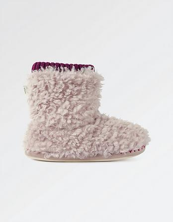 Lilly Luxe Fluffy Slipper Boots