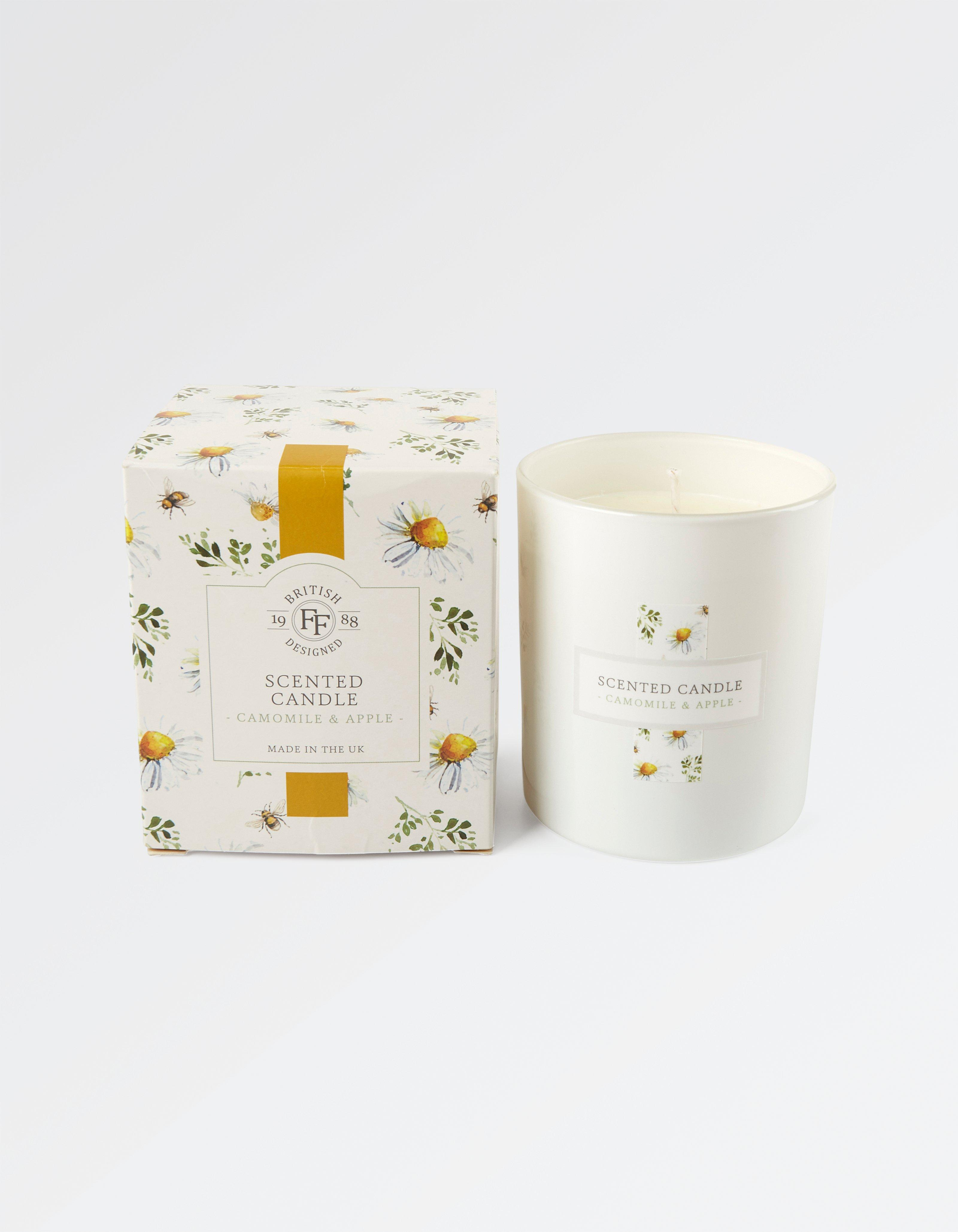 Camomile And Apple Candle