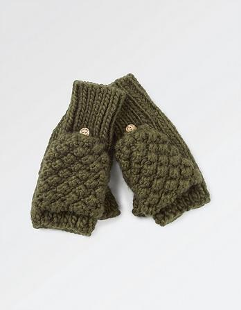 Cable Knit Over Flap Gloves