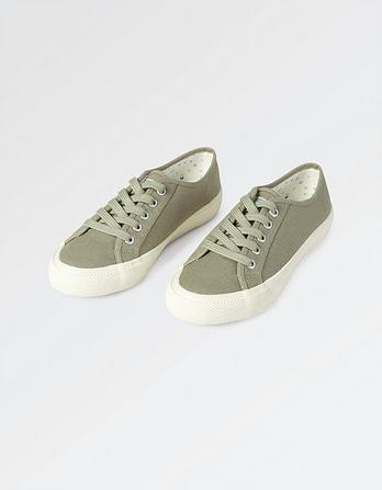 Hythe Lace Up Sneakers