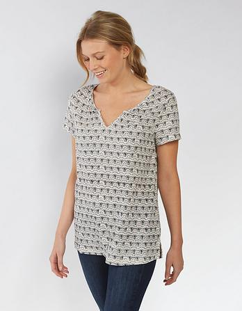 Nelli Notch Neck Geo Wave Top