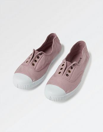 Victoria Laceless Dora Pumps
