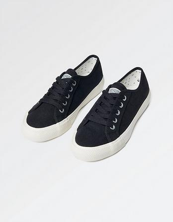 Hythe Lace Up Trainers