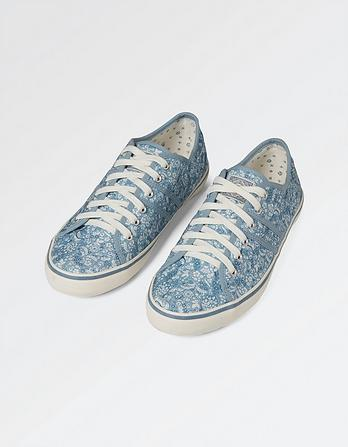 Easton Print Lace Up Sneakers