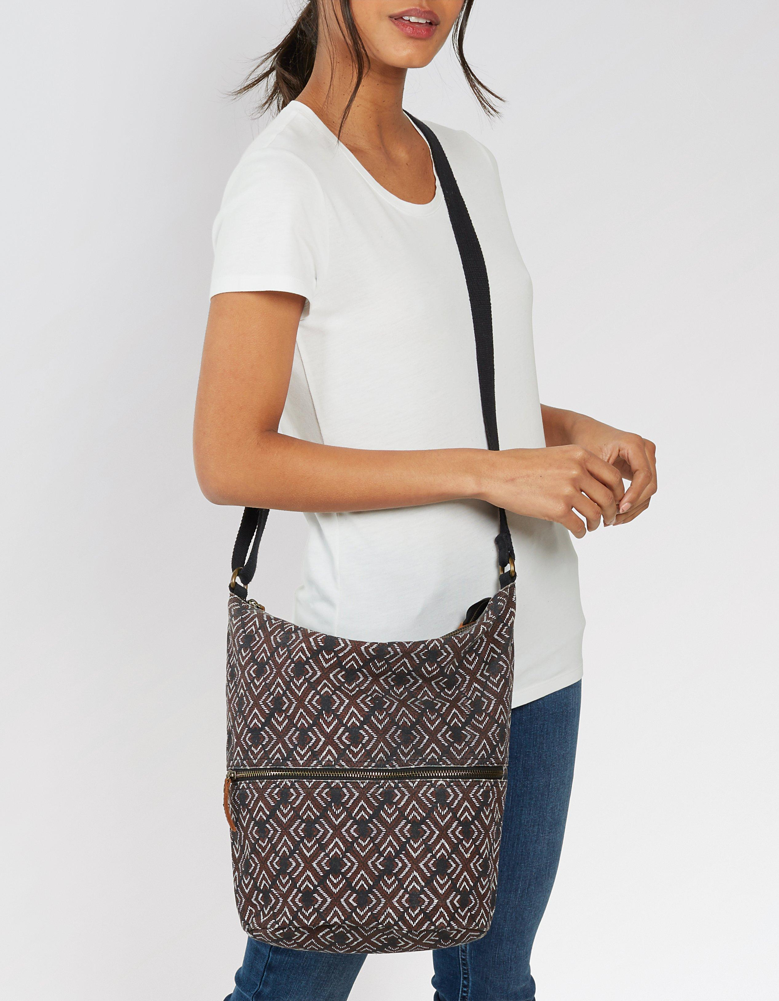 Diamond Stitch Tia Cross Body Bag