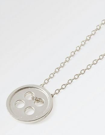 The Old Farmhouse Button Short Necklace
