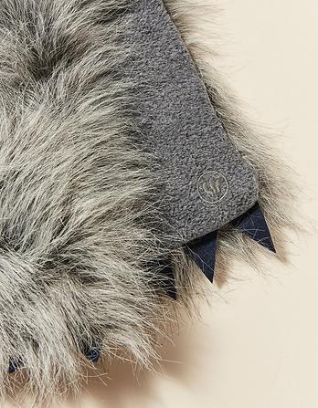 Whit Wolf Scarf