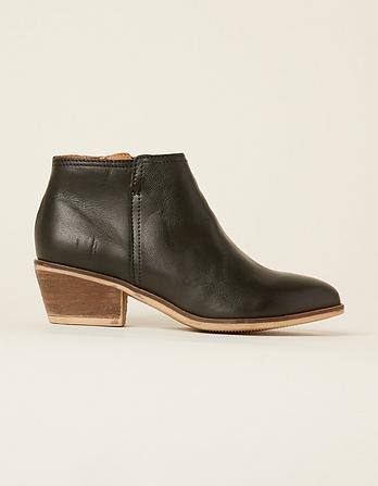 Lythe Ankle Boots