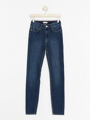 Blå, smal VERA-jeans med høy midje Blå