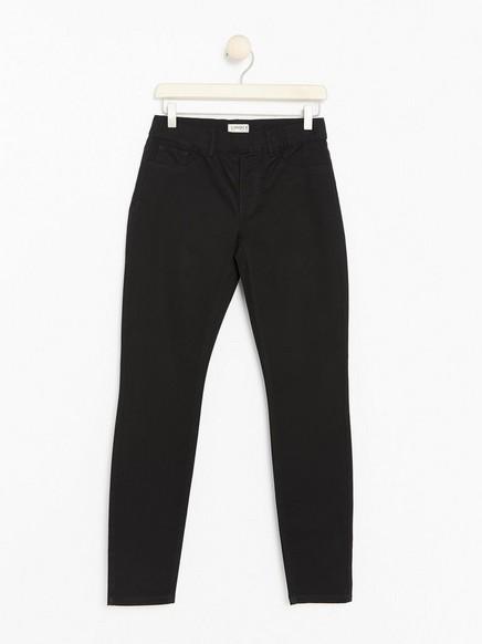 Černé úzké kalhoty TOVA Černá