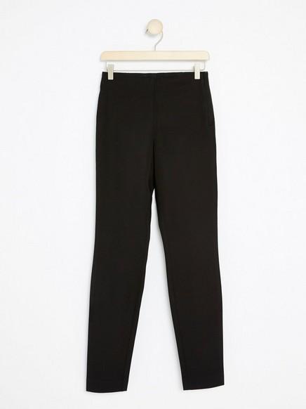 JONNA svart, smal bukse med høyt liv Svart