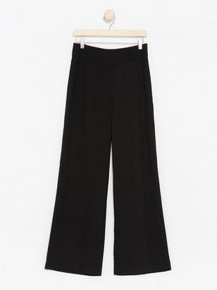 LYKKE Black Wide Trousers Black