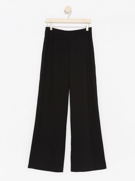 Kalhoty LYKKE Černá