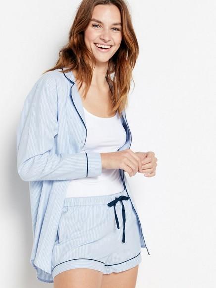 Pyžamové šortky smodrými pruhy Modrá