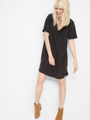 Short Sleeve Dress with Tie Neck Black