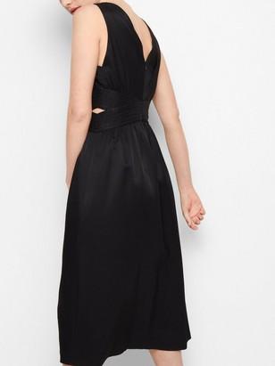 Ermeløs kjole Svart