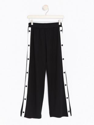 Wide Trousers with Buttons White