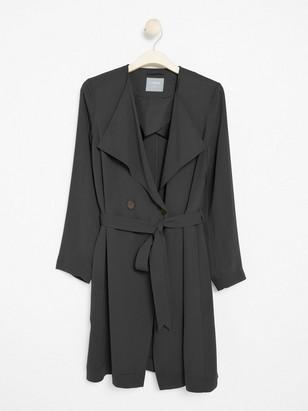 Měkký kabát se zavazovacím páskem Černá