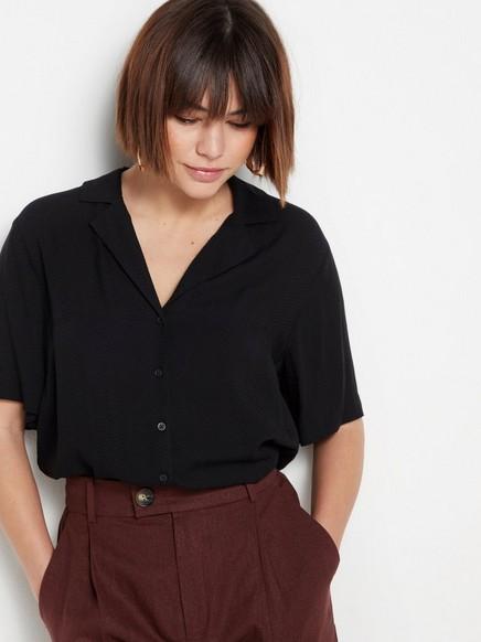 Černá viskózová košile Černá