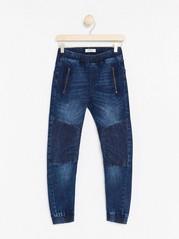 Regular jeans med förstärkt knä Blå