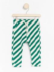 Vzorované kalhoty Zelená