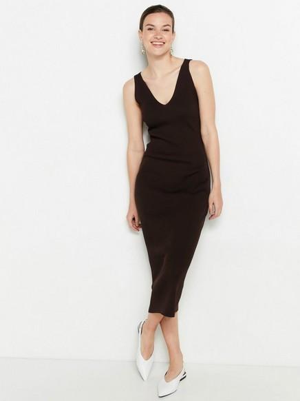 Brun, ribbestrikket kjole Brun
