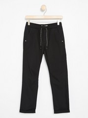 Loose Trousers with Tapered Leg Black