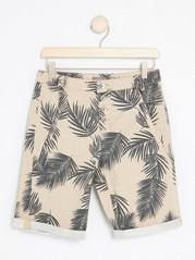 Mönstrade shorts med knappar  Vit