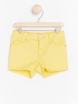Regular gula shorts Gul