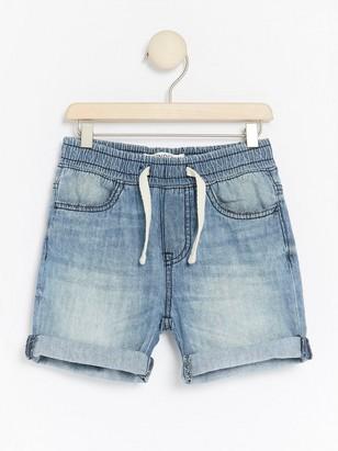 Jeansshorts med ledig passform Blå