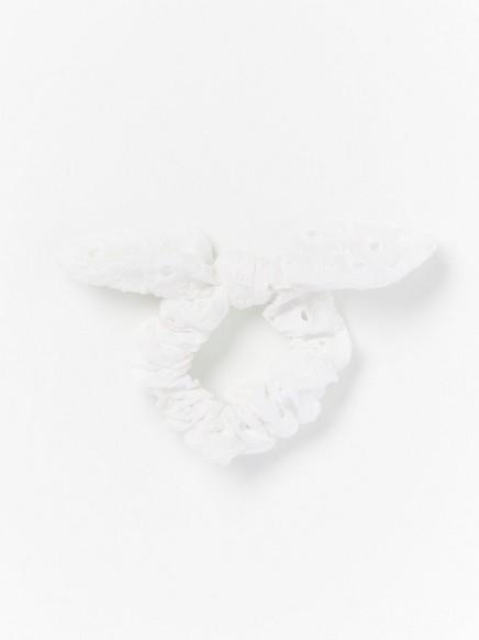 Hiusdonitsi, jossa rusetti Valkoinen