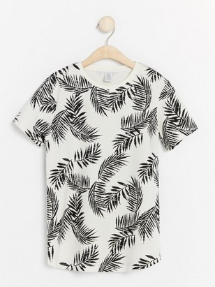 T-shirt with Leaf Pattern Black
