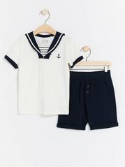 Sjömansset med t-shirt och shorts Blå