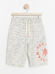 Sweatshirt shorts with print Beige
