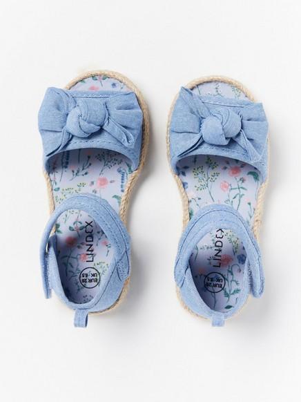 Sandaalit, joissa rusetit Sininen