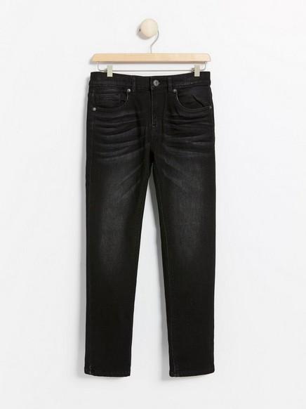 Svart jeans i normal passform i fôret denimjersey Svart