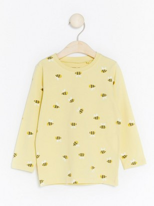 Top with Bumblebees Yellow