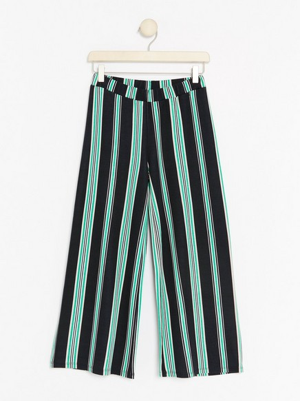 Avkortet, stripet bukse Svart