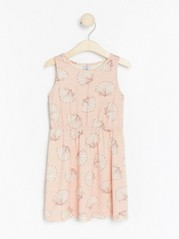 Ärmlös trikåklänning med mönster Rosa