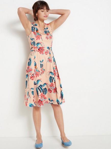Vaaleanpunainen mekko, jossa kukkia Oranssi