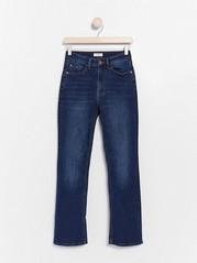 Blå miniutsvingt jeans Blå
