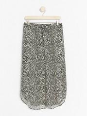 Leopardmönstrad kjol i viskos  Beige